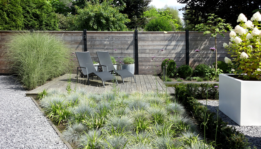 Onder architectuur aangelegde tuin