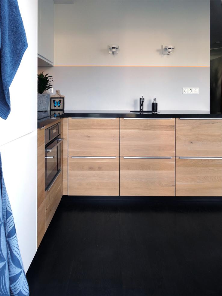 Compacte zelfgemaakte keuken