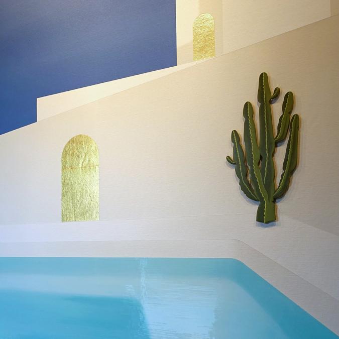 High gloss swimmingpool